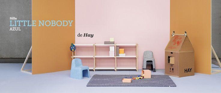 Sillas infantiles apilables Little Nobody de Hay, 100% reciclables, producidas a partir de botellas de plástico y diseñadas por los diseñadores daneses Komplot. #ecodesign, #silla, #chair, #hay, #infantil, #chaise, #stuhl, #ninos, #kids, #sostenible, #ecologico, #design, #diseno, #interiorismo, #interiorism, #dekoration, #nobody, #komplot.