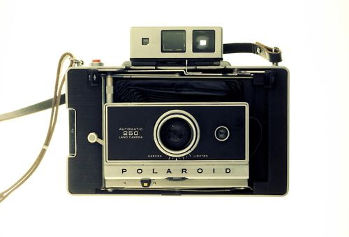 #Polaroid de luxe #Photo #Vintage http://in.lesinrocks.com/high-tech/familles/retrofuturiste/