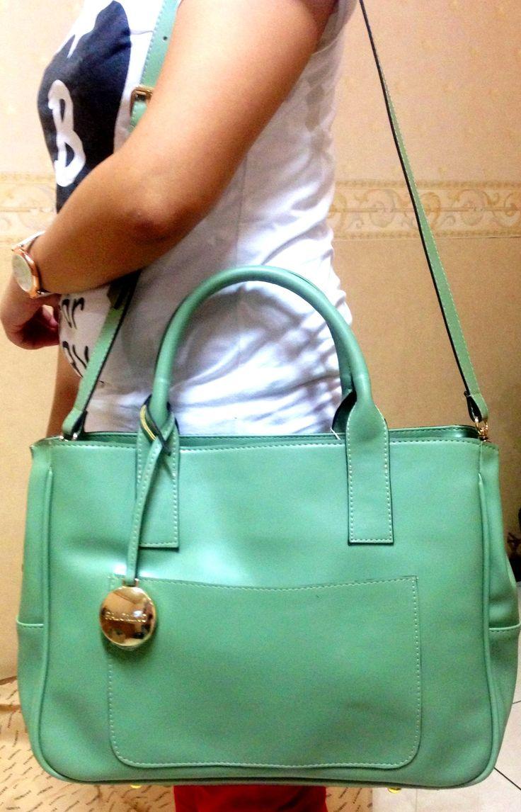 Geraldyn leather green totebag