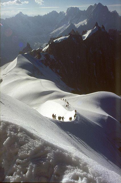 hallucinists:    arete Aiguille du Midi - Aiguille du Plan by Ron Layters on Flickr.
