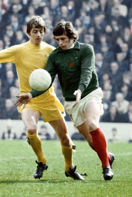 Paul Cooper Birmingham City & Allan Clarke Leeds United 1972