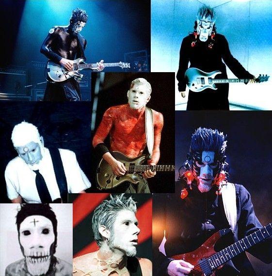 ウェス・ボーランド(Wes Borland)  ウェス・ボーランド 1975年2月7日生 アメリカのバンド、Limp Bizkitのギタリスト。  独特のギタープレイに加え、ライブでは全身にメイクをほどこしステージ上を動き回り・飛び回る非常にアクロバティックなパフォーマンスから、他のギタリストとは同じ枠に収められないほど特異な存在としても認知され、ファンだけではなくミュージシャンからも高い評価を獲得。 ギタリストとしての活動の他にもジャケットのデザインも手がけたり、得意な油絵によるアンプのペイント・全身メイクも自らが行ったりなど、音楽家であり芸術家という側面も持ち合わせています。