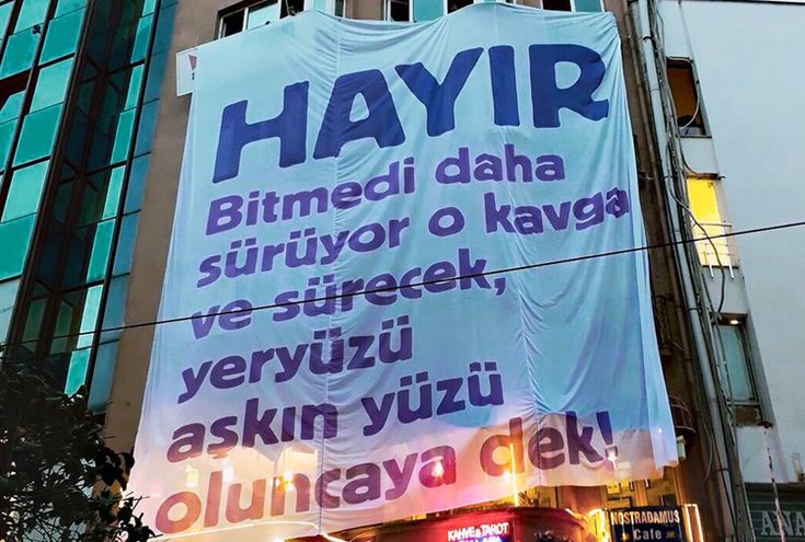 Referandumun 'kazananı' ya da basit ihtişamı - FOTİ BENLİSOY - Gazete Karınca