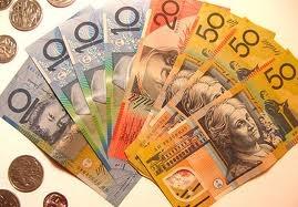 dolar australiano. La representación de dinero extranjero en billetes o monedas, es un gran activador para nuestra Riqueza. Colócalo en un cofre de madera en la coordenada Sureste.
