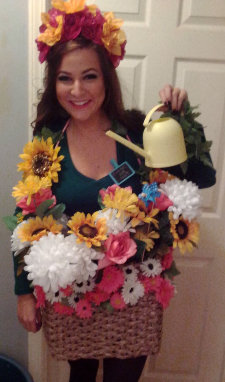 Christmas fancy dress ideas diy - Homemade Flower Pot Halloween Costume Used The Watering Can To Drink Out Of