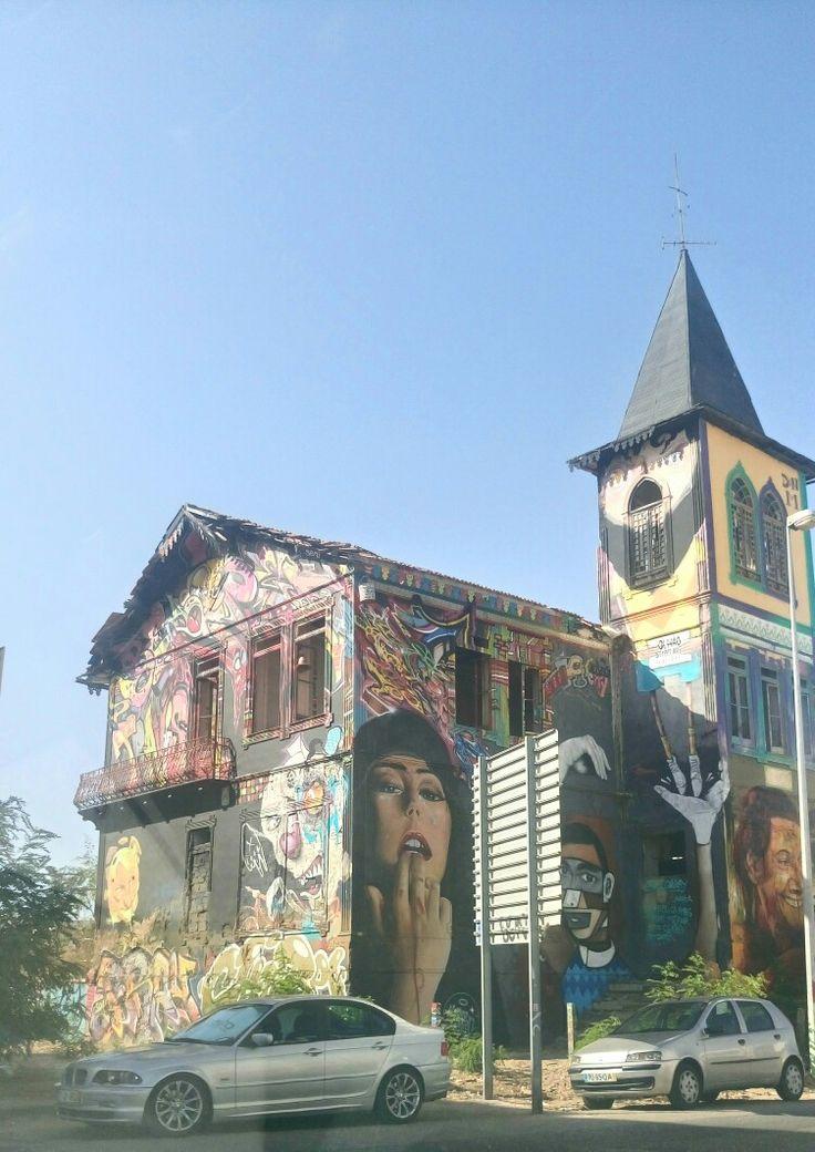 Street art a Olhao Portugal