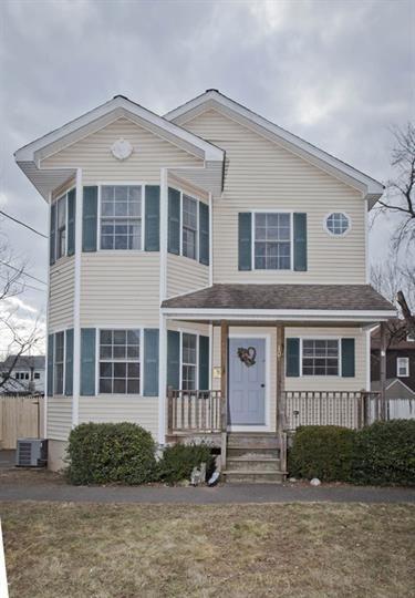 10 Wheatland Ave, Chicopee MA 01020 - Photo 1
