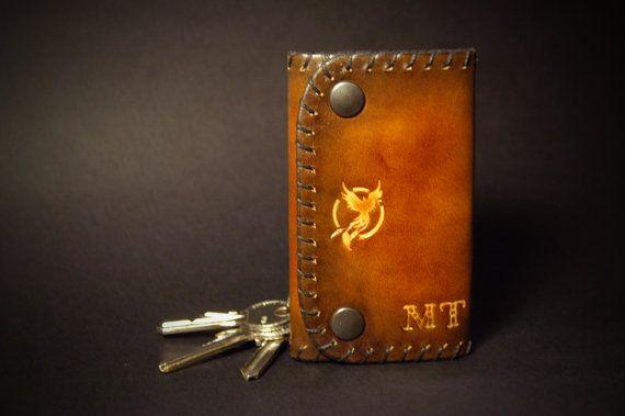 Portachiavi in cuoi realizzato a mano di LaFeniceArtigianato