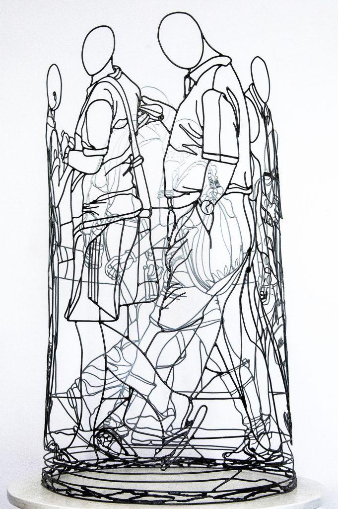 AMIMONO-WIRE-ART-Tour des piétons (vue 1)