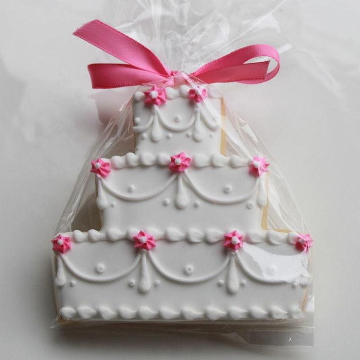 Wedding cookies as favours for guests to take home - available for Plenty Of Dough in Binbrook