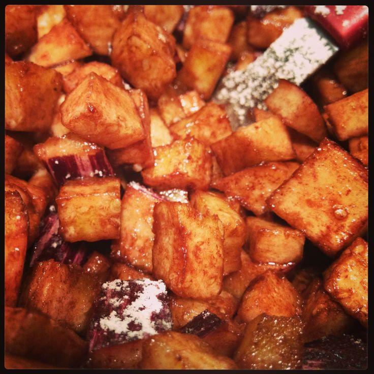 Cestino di mele e melanzane dolci con zucchero e cacao accompagnato da crema di mela aromatizzata alla cannella. La ricetta la trovate sul mio blog www.impastastorie.com  #mele #pomme #apples #melanzane #eggplant #aubergines #sucre #zucchero #sugar #cannella #chinnamon #cannelle #food #sweet #dessert #dessertporn #foodportn #cute #good #yummi #blog #ricetta #ricette #recipes #recette
