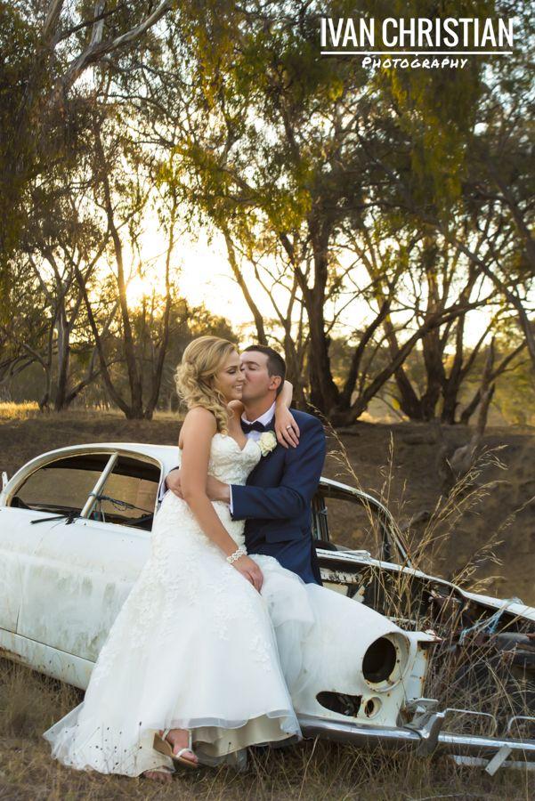 Hannah, Jake and a rusty car - Ivan Christian Photography