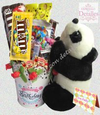 Arrego de dulces con peluche oso panda