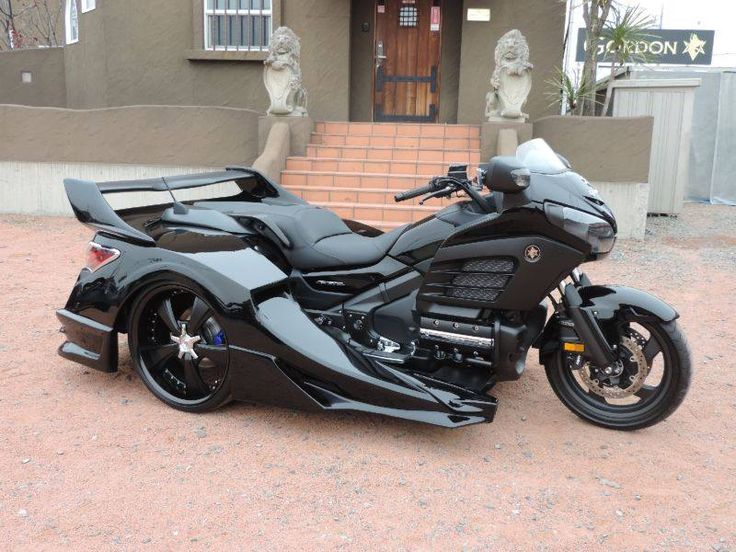 Honda Gold Wing F6B with sidecar in all Black. | Honda ...