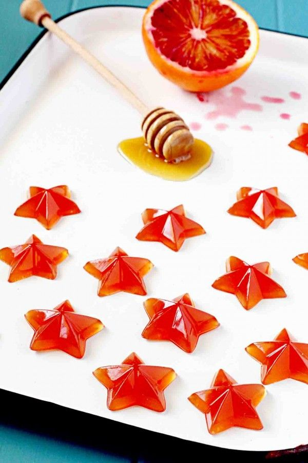 Loving these simple Homemade Gummy Stars: Blood Orange and Honey Gummies from insockmonkeyslippers.com