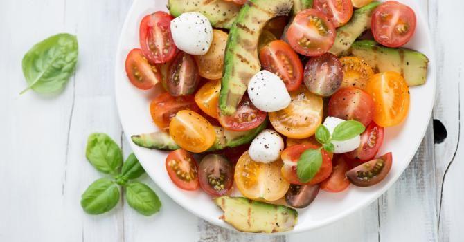 Recette de Salade méditerranéenne minceur pour plateau télé ensoleillé. Facile et rapide à réaliser, goûteuse et diététique.