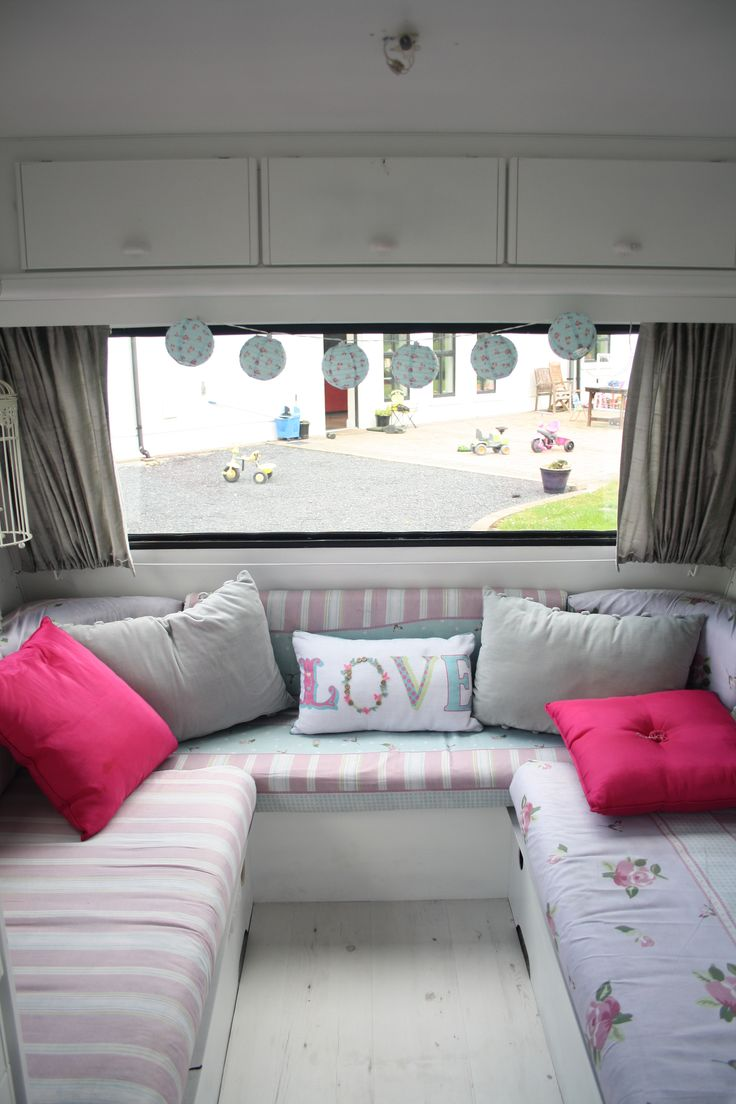 Retro camper curtains - Could Have Fold Up Table To Use In The Middle So It S A Sofa