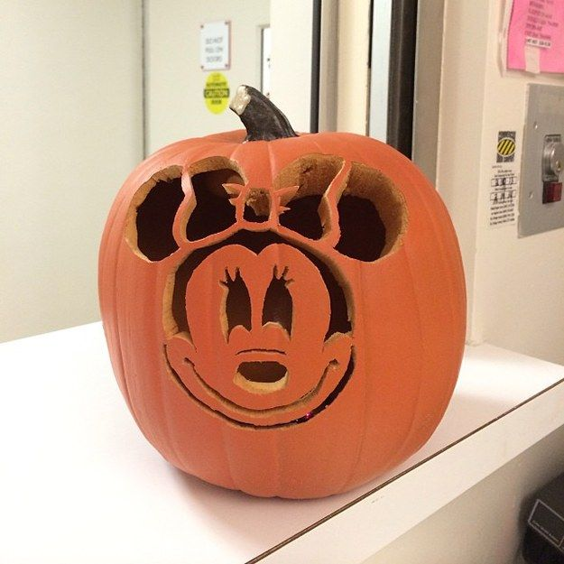 33 best felt minnie mouse images on pinterest mini mouse for Cat carved into pumpkin