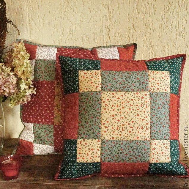 Полный релакс на лоскутных подушках / Full relax with patchwork cushions #лоскутные #подушки #cushions #patchwork #red #green  c8690da734a058e8a7b6ab97b4--dlya-doma-interera-podushki-navolochki-relax-v.jpg (636×636)