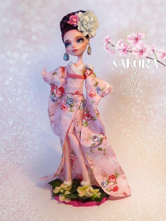 Custom Dolls by Monissima: