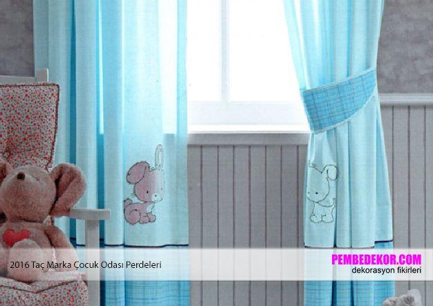 Erkek odası dekorasyonları için mavi perdeler son derece kullanışlıdır. Siz de eğer erkek çocuğunuza böyle bir perde alarak mutlu etmek istiyorsanız Taç markasını tercih edebilirsiniz.