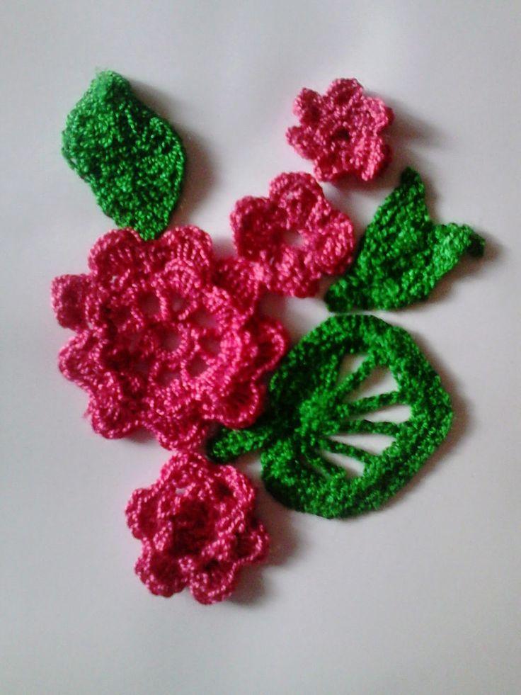 Robótkomania: Kwiatuszkowe wariacje na szydełko i igłę