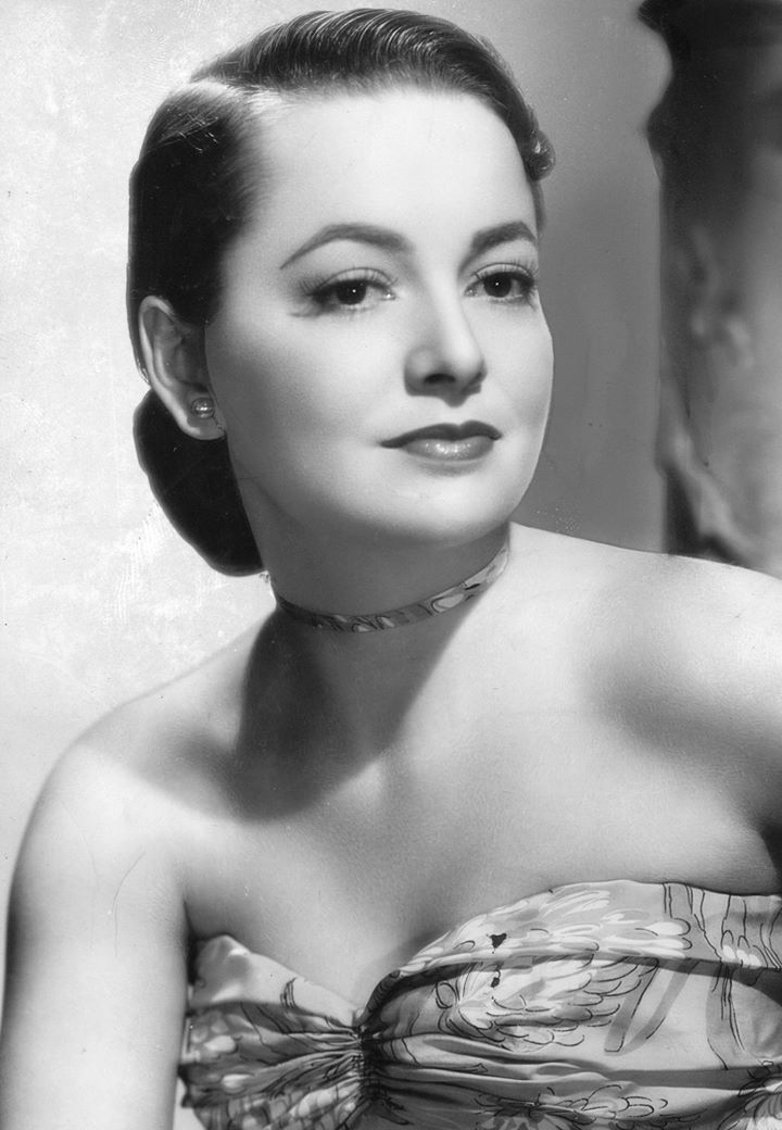 "Warner Bros. lavish adventure epic ""Anthony Adverse,"" starring Fredric March, Olivia de Havilland, Edmund Gwenn and Gale Sondergaard, had its premiere in Los Angeles on this date in 1936. The film won four Oscars including supporting actress for Sondergaard. Photo of de Havilland courtesy of AP.https://www.facebook.com/ClassicHollywoodLAT/photos/a.325229037557486.74836.315575098522880/1425423020871410/?type=3"