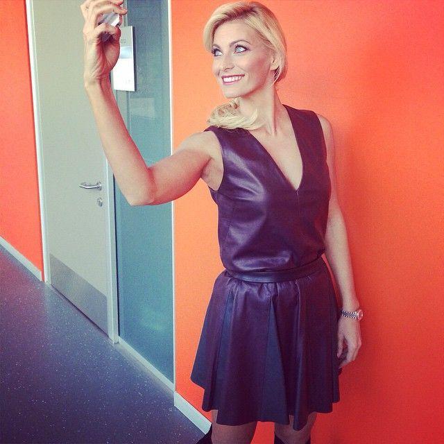 #FedericaFontana Federica Fontana: Il mio #selfie della domenica a @stopgol !!! @simonettaravizza #dress