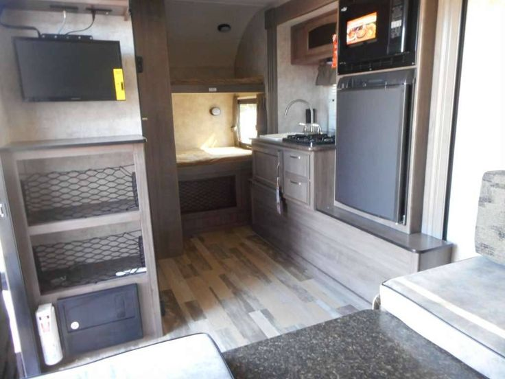 """Check out this 2017 Winnebago 170K BUNKHOUSE """"DROP"""" listing in Moreno Valley, CA 92557 on RVtrader.com. It is a Travel Trailer and is for sale at $17995."""
