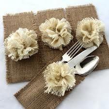 Porta cubiertos de arpilleria o yute. Una forma muy elegante de presentar los…