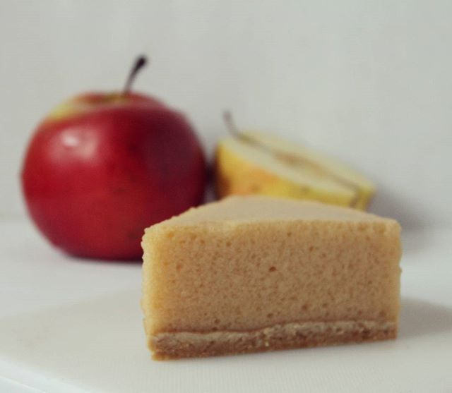 Нежнейший яблочный мусс 💛💚🍎🍏 очень легкий и воздушный) #муссовыйторт #мусс #яблоко #яблочный #яблочныймусс #тортик #нежныйторт #люблюготовить #фудфото #любовьвглазури #торткрасноармейск #тортпушкино #тортназаказмосква #мирдолжензнатьчтояем #cakes #food #foodfoto #apple
