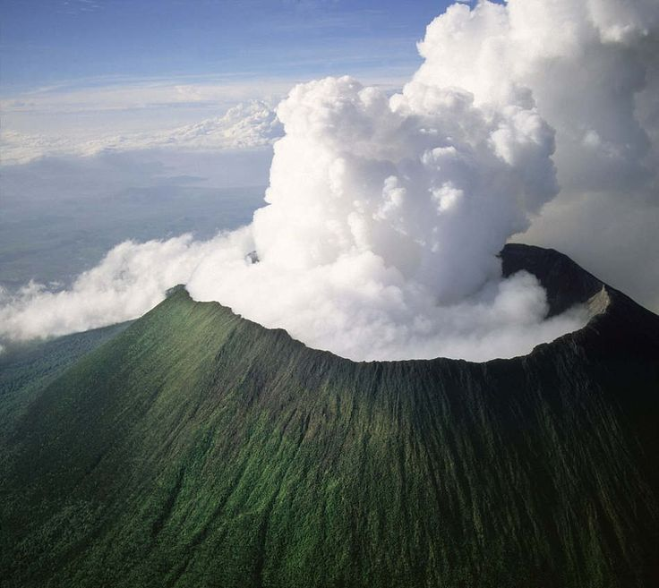 Mount Nyiragongo, an active volcano in the Virunga Mountains in Virunga National Park, near the border with Rwanda, known for its recent devastating eruptions, Democratic Republic of the Congo, Great Rift Valley, Africa. Photograph Robert Harding