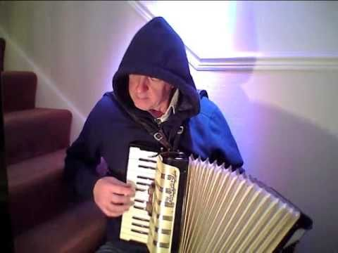 Lads a Bunchum.  Morris dance tune,  Hohner 48 bass accordion - YouTube