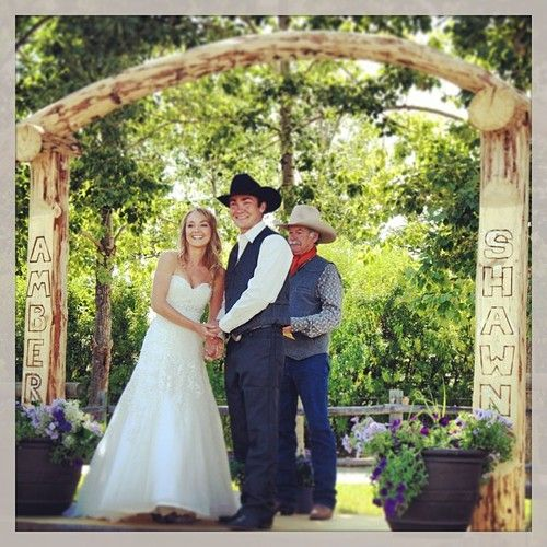 Want her dress this is a better pic than the one that I had she is so pretty Amber Marshall wedding dress