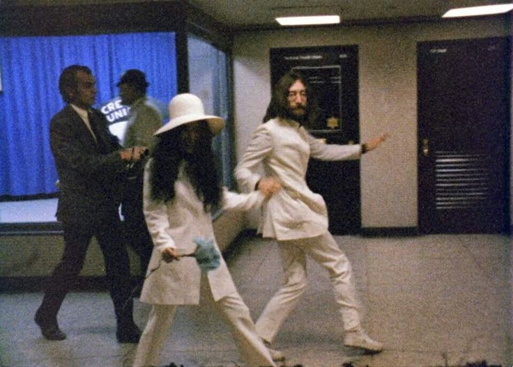 1969 John And Yoko Dancing At The Montr 233 Al Airport On The