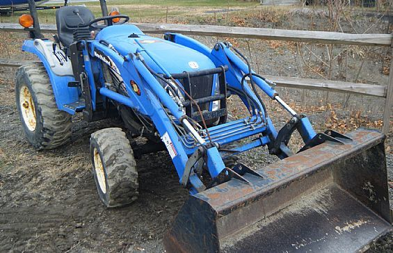 2004 Compact Tractor Farm Tractors For Sale in Mechanicville, NY A00004 | Want Ad Digest Classified Ads