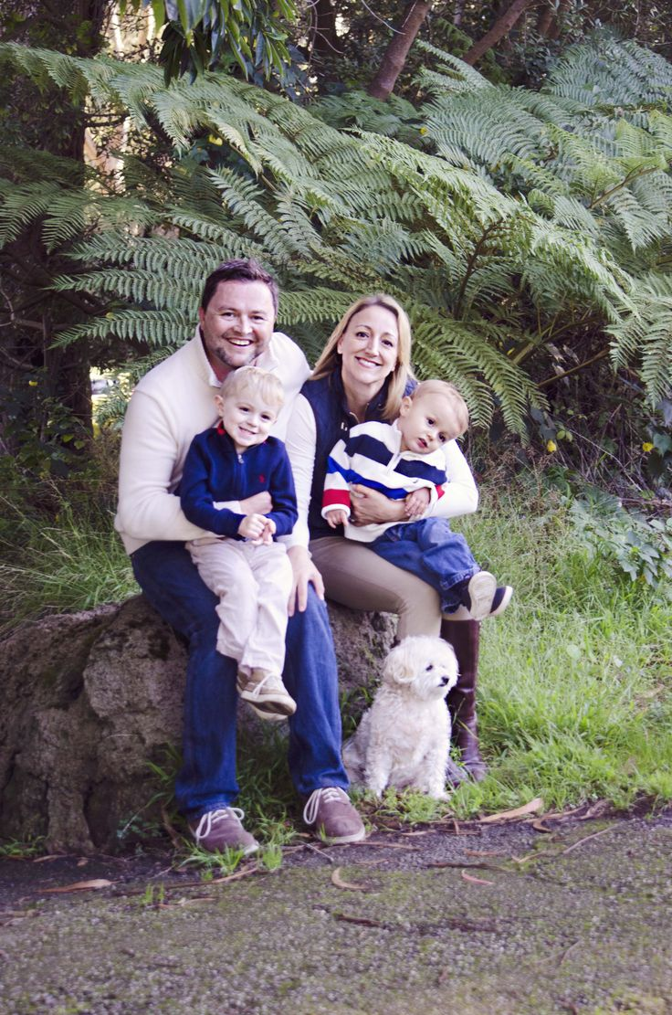 #family #portraits in #sanfrancisco #goldengatepark with their family #dog.