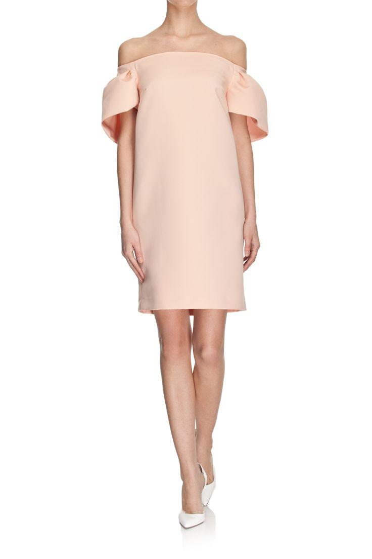 Sukienka łososiowa z opadającymi ramionami image