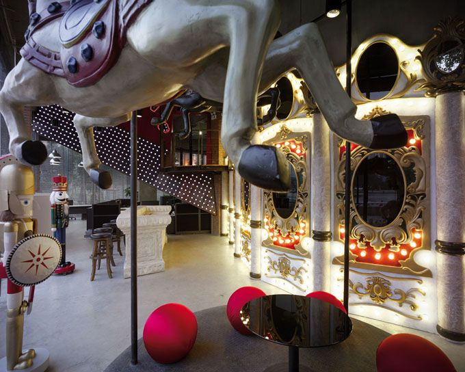 "A closer look at Ogilvy & Mather's Guangzhou Office. Their concept? ""Carnival of ideas'. #brilliant #design"