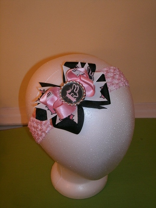 if i have a little girl, she will have this (: Fox Racing Stacked Bow. $7.00, via Etsy.