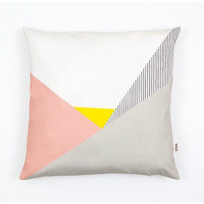 Idee dressoir roze afbeeldingen : 27 best Dressoir images on Pinterest | Auction, Beautiful and ...