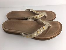 UGG Womens Flip Flops Sandals  S/N 1006357   Size 7  Bone color leather