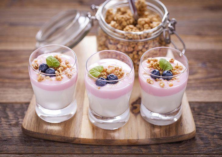 Trinkbarer oder sogar stichfester Joghurt entsteht, wenn um 30 Prozent entwässerte Milch mit den Milchsäurebakterien…