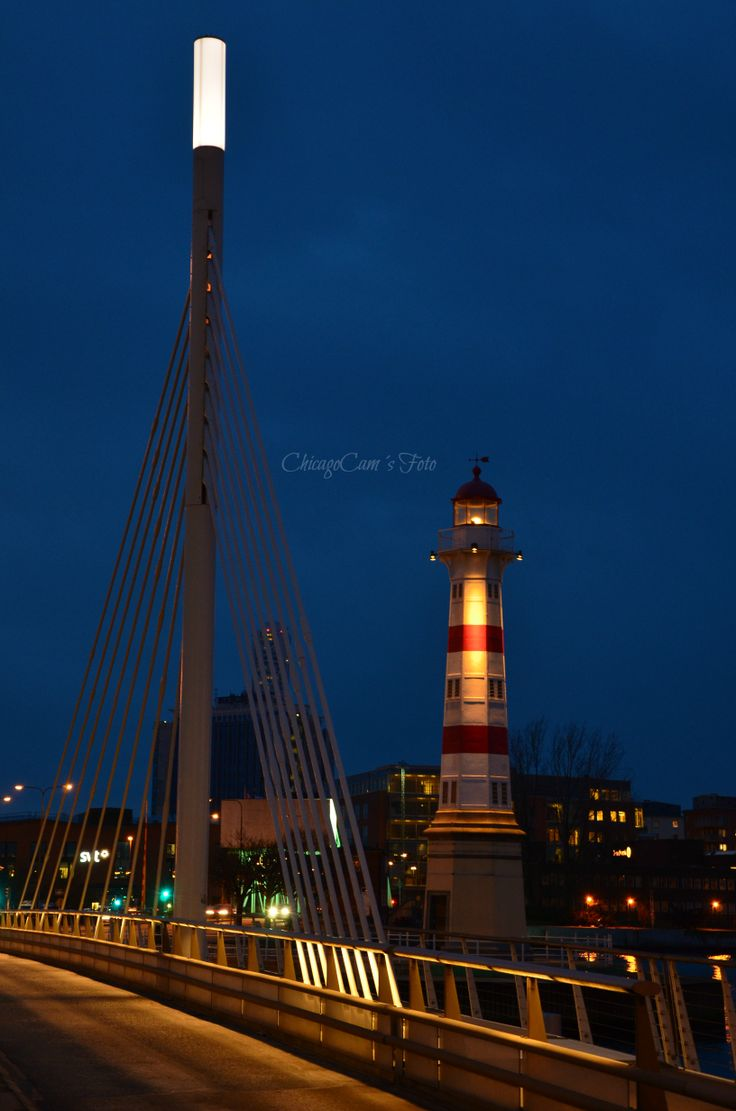Lighthouse by the city bridge   Malmö Inre fyr. Location: Malmoe, Sweden.  ChicagoCam´s Foto