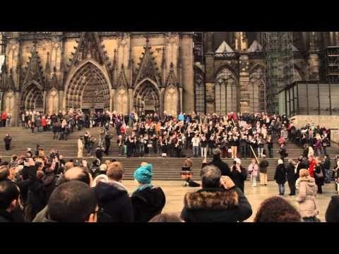 ▶ COLOGNE CHRISTMAS MEDLEY FLASHMOB - YouTube