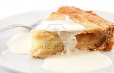For our second option we chose apple pie with cream.