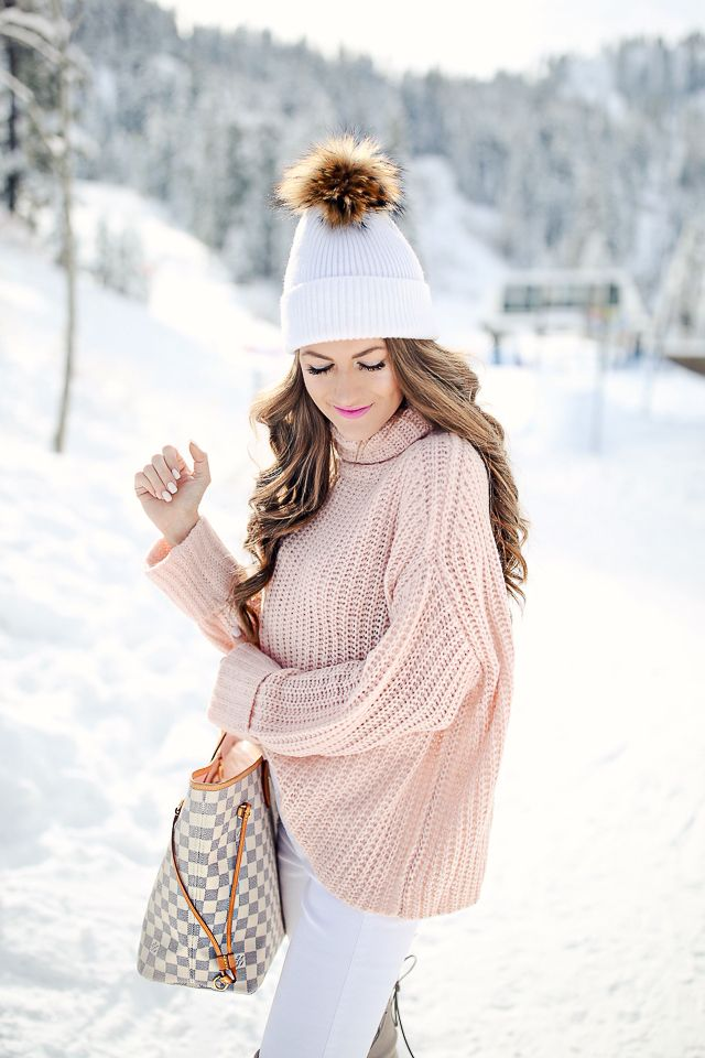 Leith pink sweater  // Patagonia puffer jacket , comes in more colors HERE   white pants  // Stuart Weitzman boots , similar...