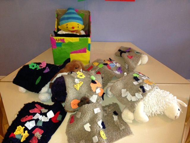 Dekentjes, 'Uk & Puk'-thema Hatsjoe, gemaakt door de kinderen van SKA-kinderdagverblijf het Speelbos