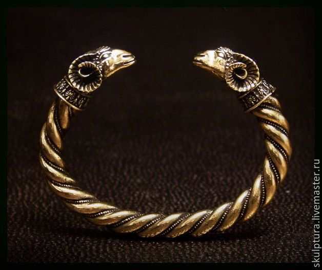 критиков- золотой старинный браслет с грифонами фото даст сок, это