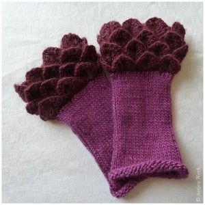 Magnolia and more marvelous crochet fingerless mitts patterns - love these! {mooglyblog.com}